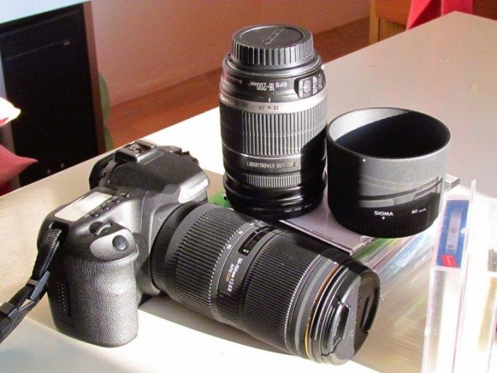 Canon 50 D,obj.18/200,50/150/2,8,filtry 67 polar.a šedý 25% dvě baterie orig.