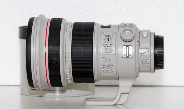 Canon EF 200mm f/2L IS USM - perfektní stav !