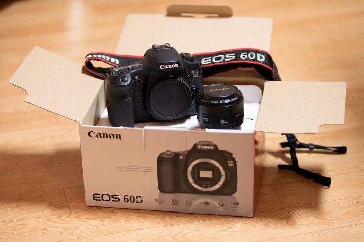 Prodám Canon EOS 60D+ EF 50/1,8