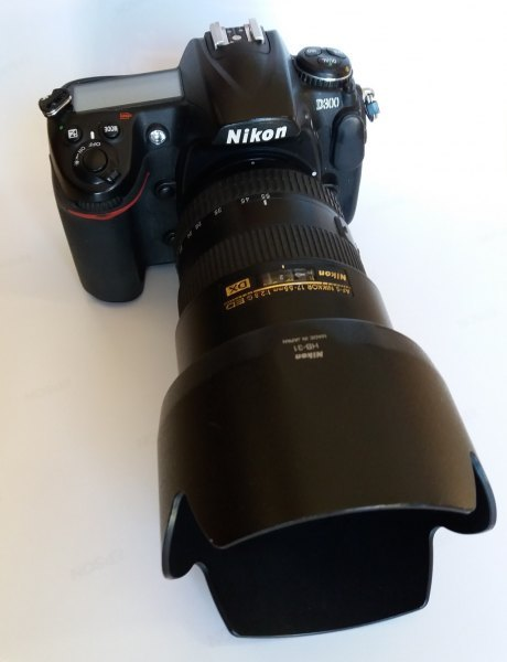 Sestava Nikon D300 s MB-D10, 12-24/4, 17-55/2.8, 70-200/2.8