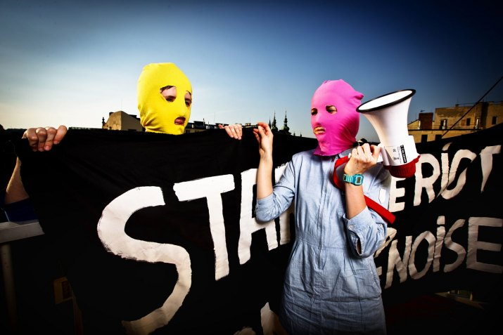 NGUYEN PHUONG THAO, Reflex: Pussy Riots. Poslední dvě členky punkové skupiny z Ruska, které jsou na svobodě, Praha, 19.6.2012