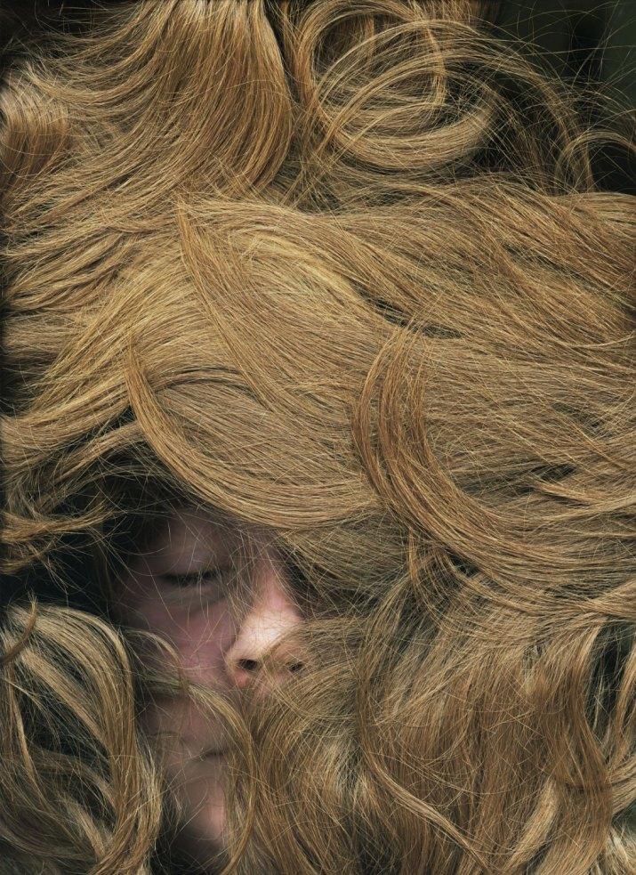 PORTRÉT 1. cena – Zlaté oko JAKUB JURDIČ, volný fotograf: Vlasy, 2009 -2012 (série)