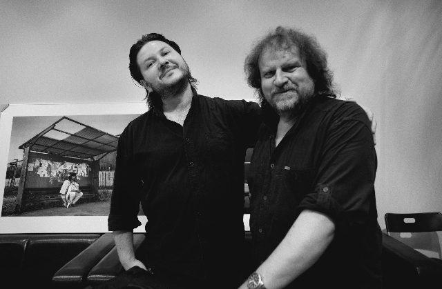 Richard Guryča (vlevo) s kameramanem a fotografem Vladimírem Holomkem