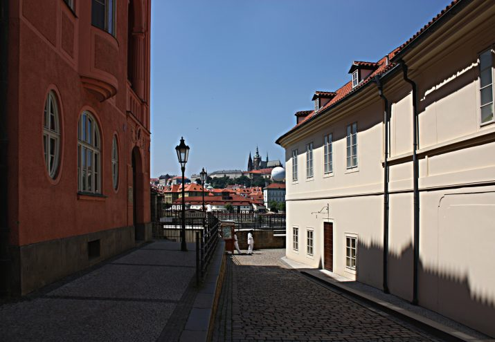 Jedna z Pražských uliček