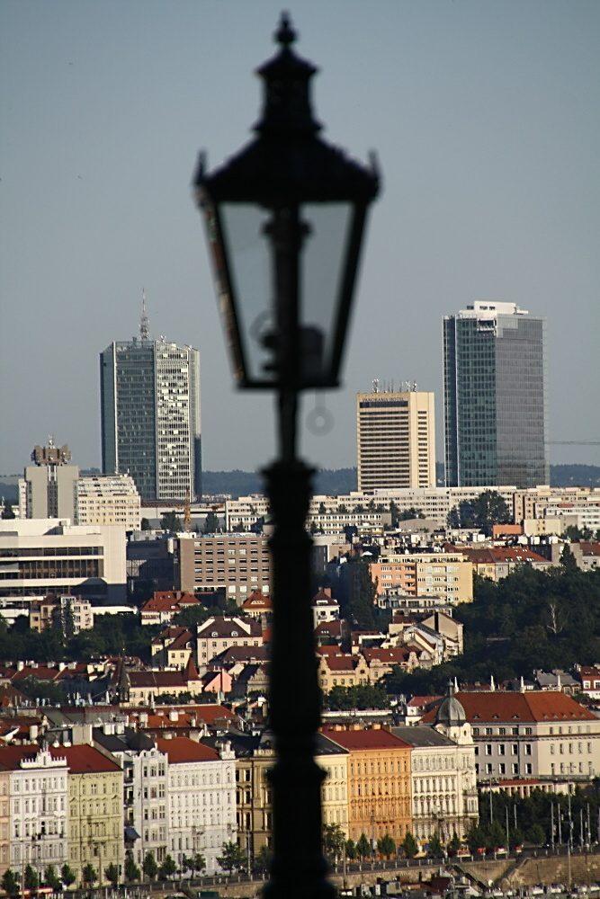 Pohled na pankrácké mrakodrapy